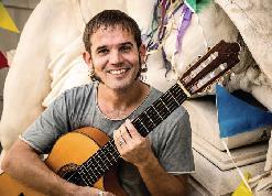 CESK FREIXAS i Víctor Nin (guitarra)